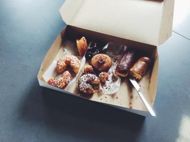 doughnuts-1209614_1920
